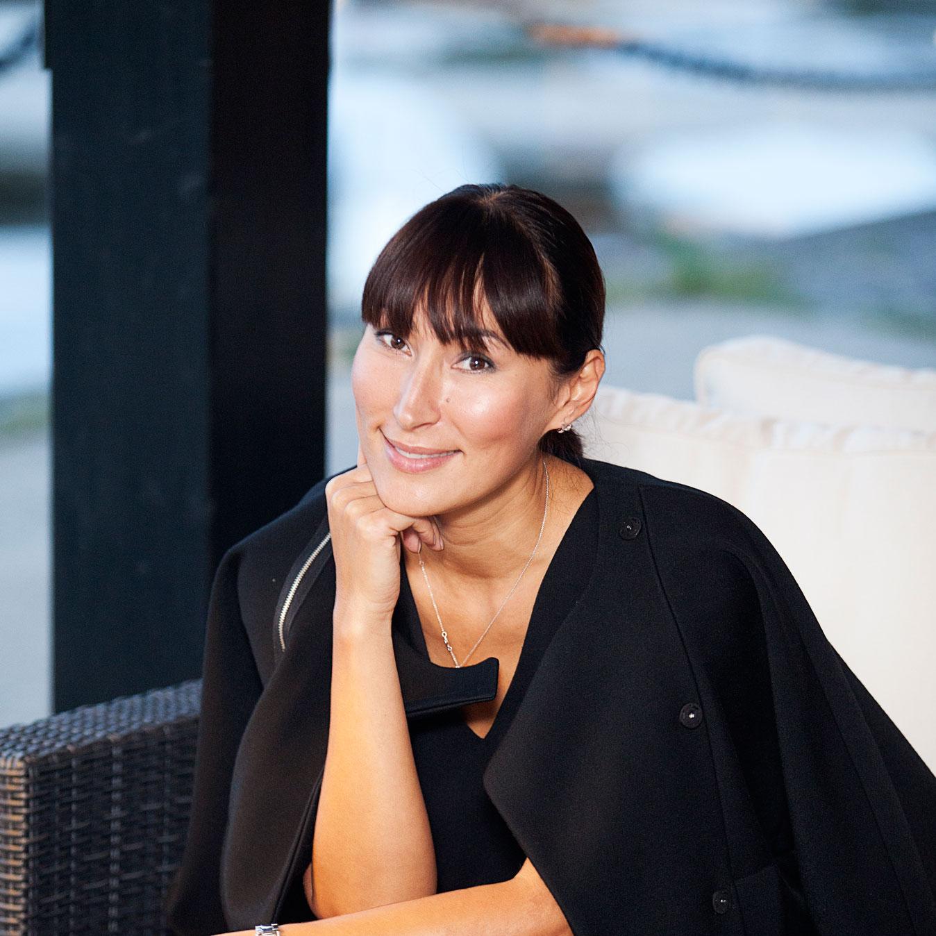 Елена Бадмаева - российский дизайнер одежды